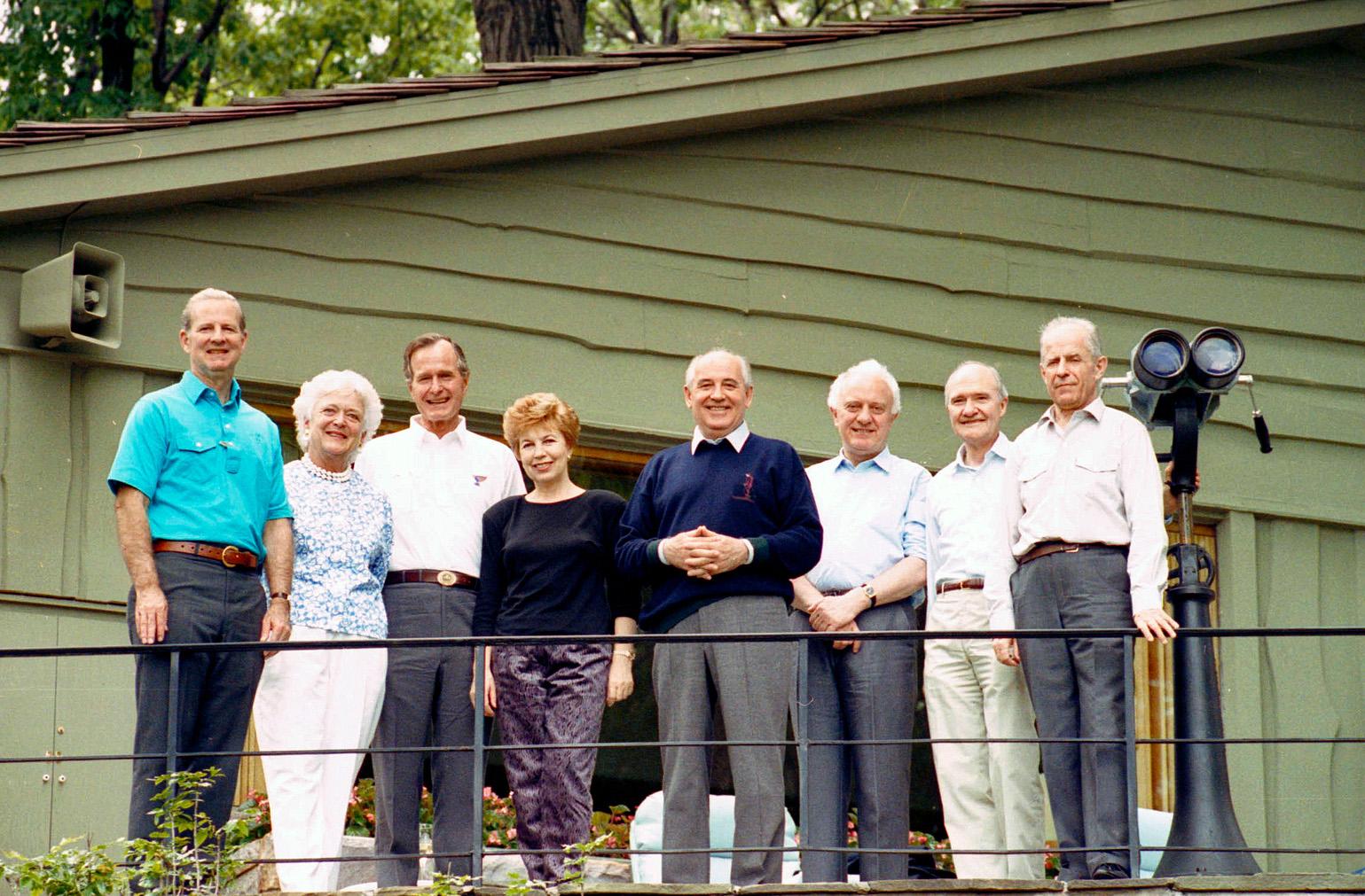 The principals gathered for а group photo at Camp David