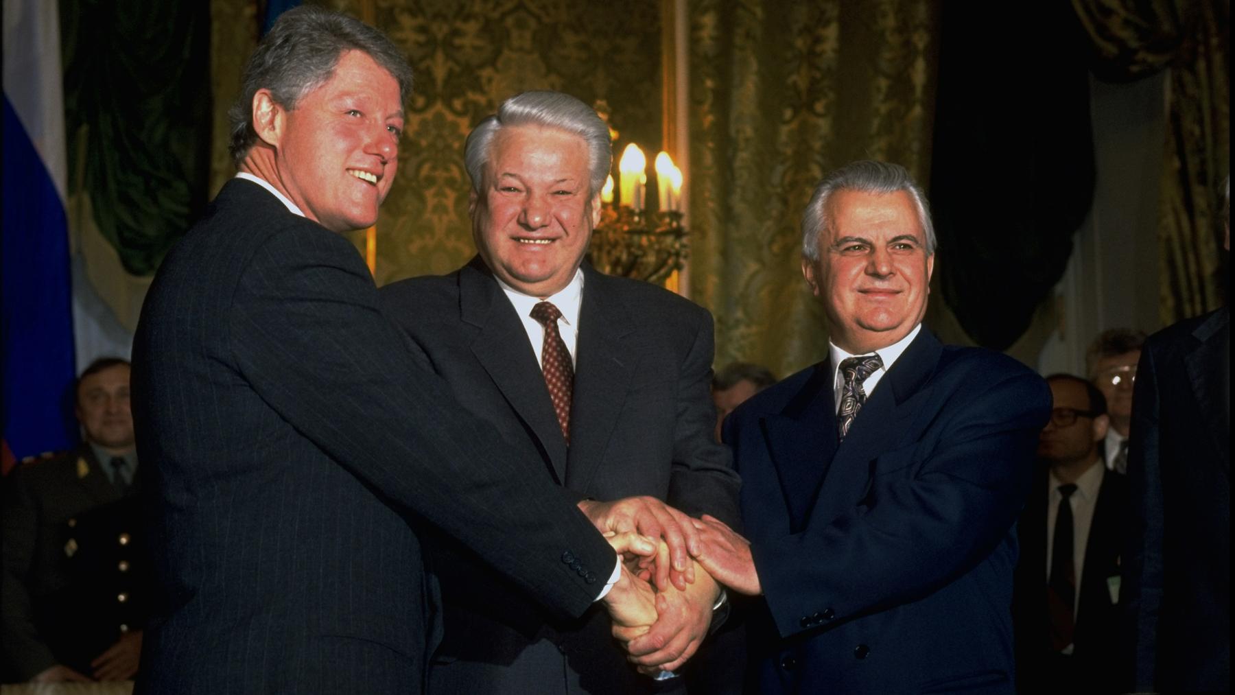 President Clinton, President Yeltsin, and President Leonid Kravchuk
