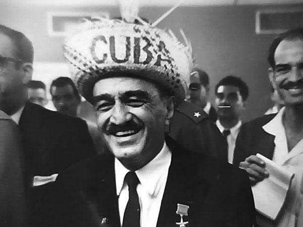 Mikoyan in Cuban hat
