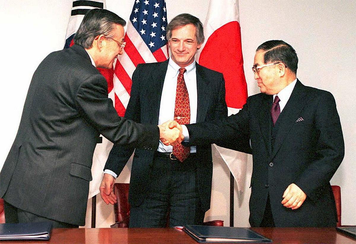 Robert Gallucci and representatives of Japan and South Korea