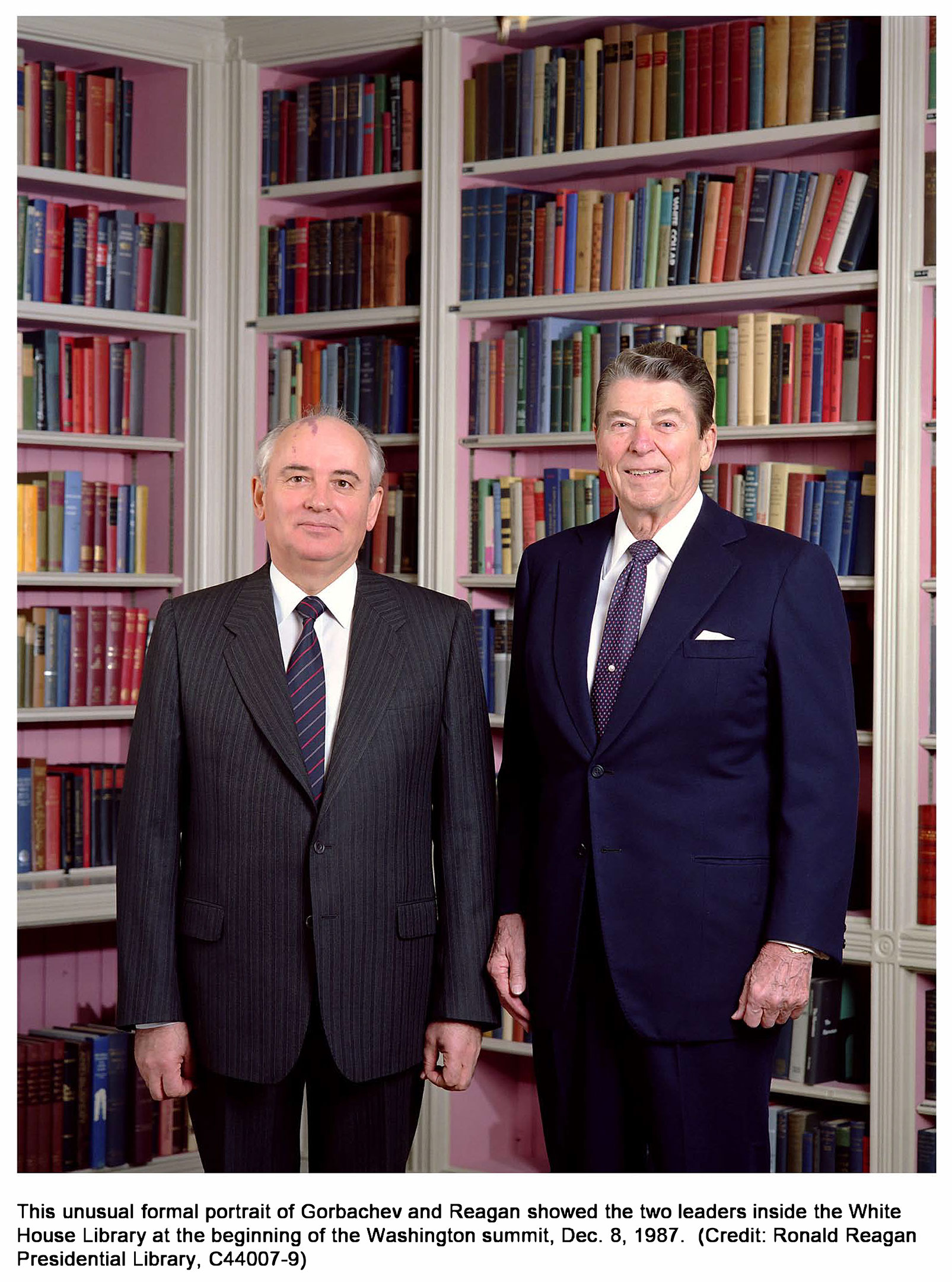 This unusual formal portrait of Gorbachev and Reagan showed the two leaders inside the White House Library at the beginning of the Washington summit, Оес. 8, 1987.