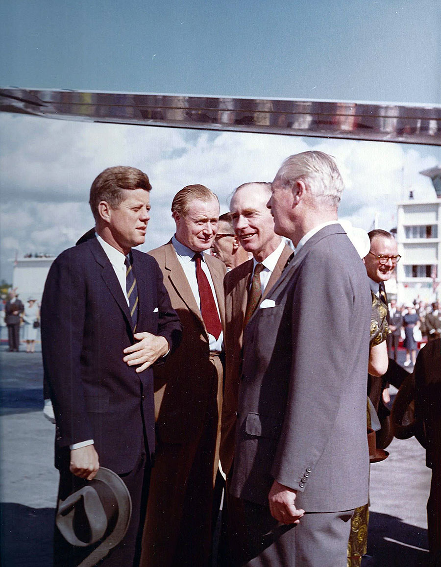 President Kennedy speaking with Prime Minister Macmillan