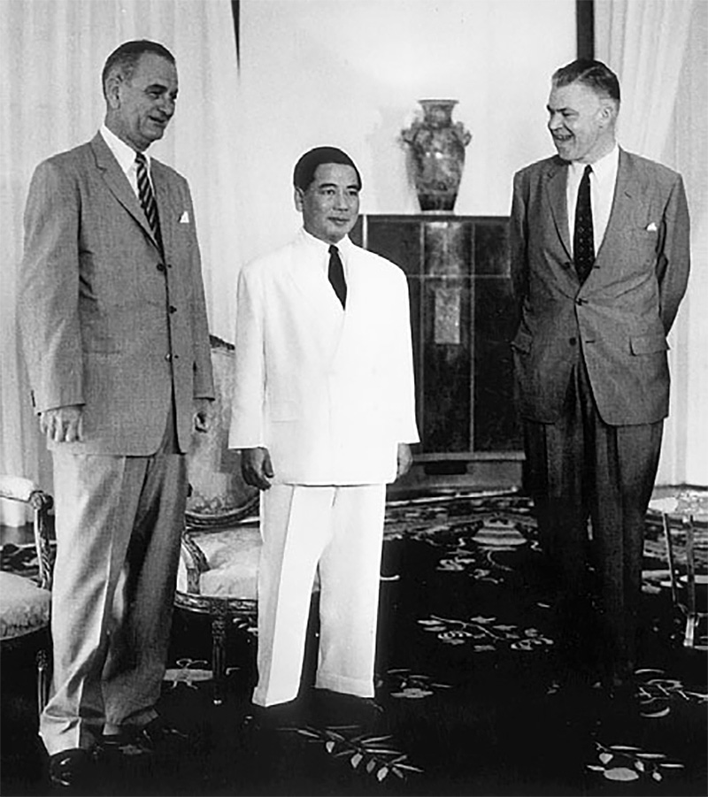 Vice President Johnson, Ngo Dinh Diem, and Ambassador Frederick Nolting in South Vietnam's Presidential Palace in 1961
