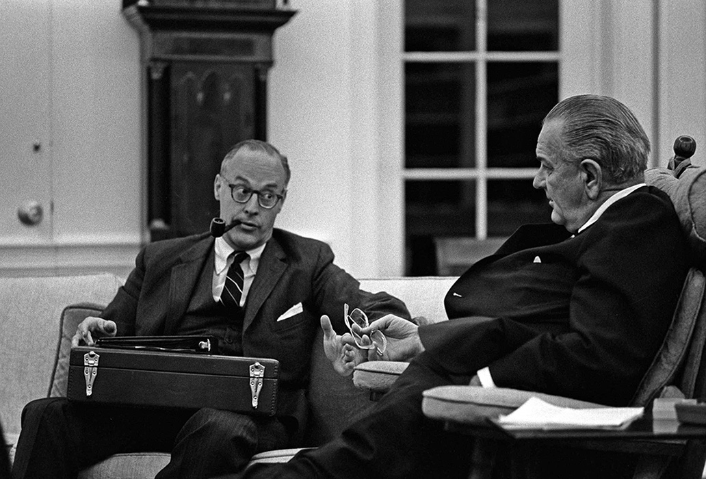Robert Komer meeting with President Johnson