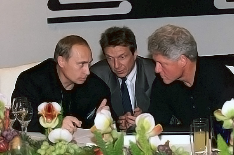 Prime minister Putin meets with President Clinton, Auckland, New Zealand, September 12, 1999.