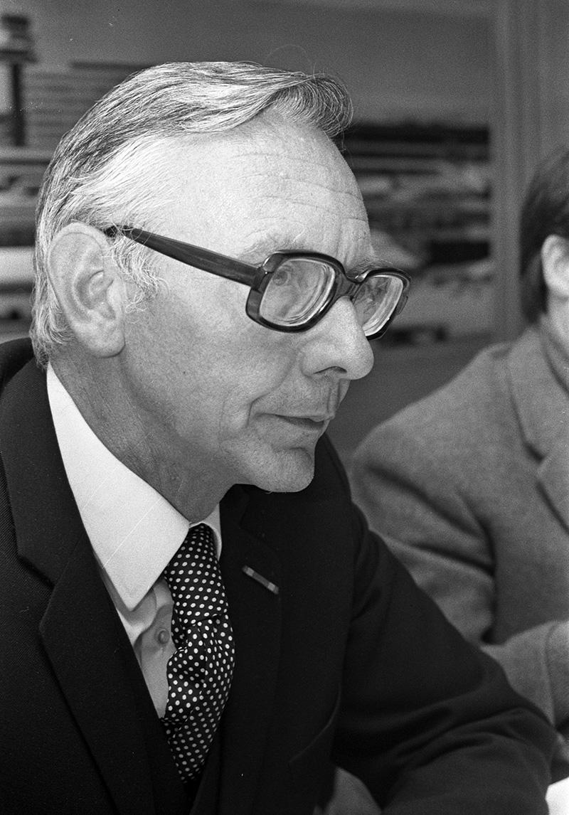 Max Van Der Stoel