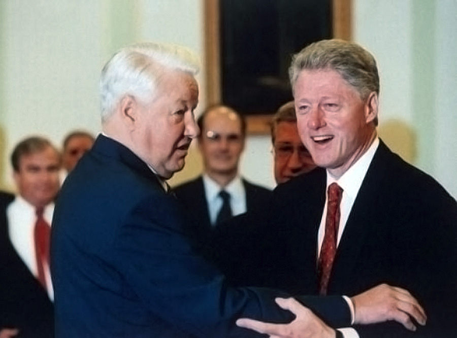 Yeltsin and Clinton at their last presidential meeting, Istanbul, November 19, 1999.  Deputy Secretary of State Strobe Talbott is in the middle background.