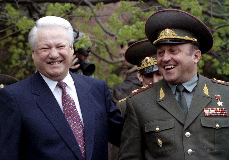Yeltsin and Crachev